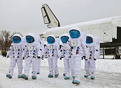 Astronauts - p390m813058 by Frank Herfort