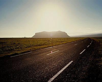 Petursey Mountain, Route 1, South Iceland - p1028m2044287 von Jean Marmeisse