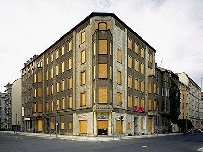 Closed building - p2800307 by victor s. brigola