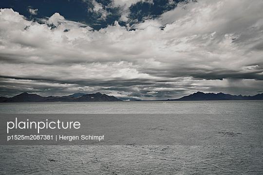 p1525m2087381 by Hergen Schimpf
