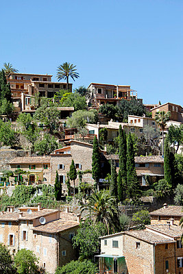 Village in Spain - p009m698432 by Erwin