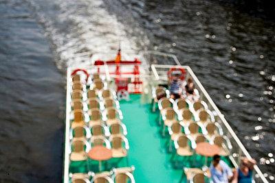 Mit dem Ausflugsboot fahren - p4860076 von anneKathringreiner