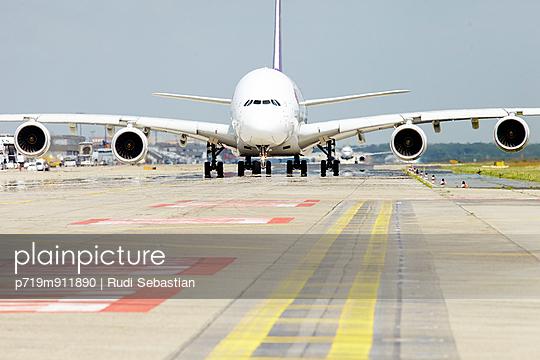 Frankfurt Airport - p719m911890 by Rudi Sebastian