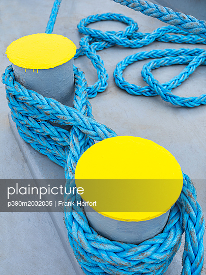 Ship ropes and rigging on board - p390m2032035 by Frank Herfort