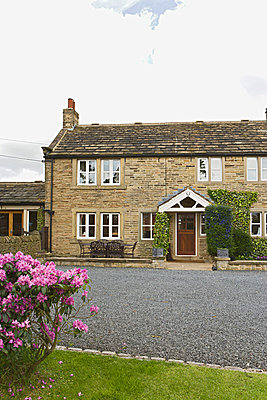 Farmhouse in Upper Denby, Yorkshire. - p8551129 by Anthony Harrison