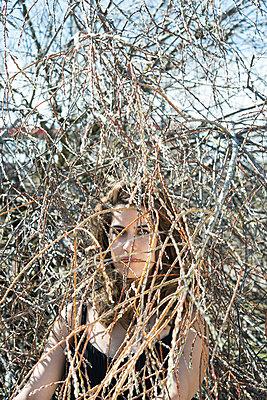 Traurig - p954m1558955 von Heidi Mayer