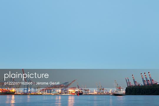 Containerhafen Elbstrand - p1222m1162568 von Jérome Gerull
