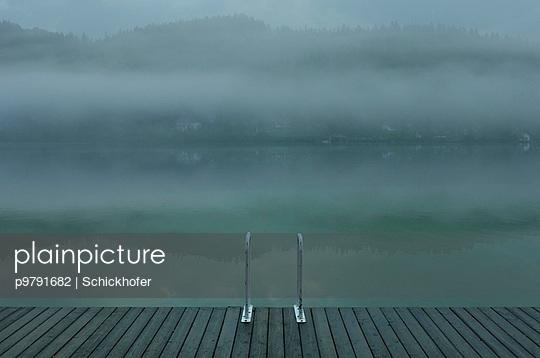 Erlauf See im Morgennebel - p9791682 von Schickhofer