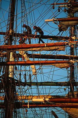 Tall Ship - p1003m760268 by Terje Rakke