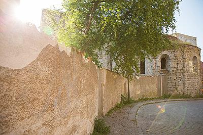 Fortified walls - p312m1180410 by Juliana Wiklund
