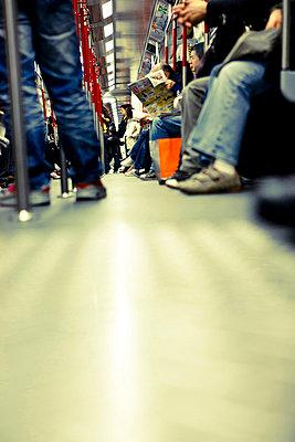 In der U-Bahn - p6180218 von Capturaimages