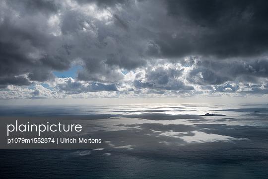 Wolkenschatten an der Amalfiküste - p1079m1552874 von Ulrich Mertens