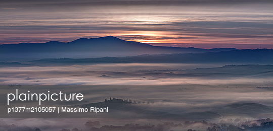 Italy, Tuscany, Siena district, Orcia Valley, The valley at dawn - p1377m2105057 by Massimo Ripani