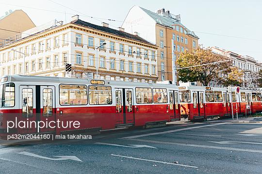 Alte Straßenbahn in Wien - p432m2044160 von mia takahara