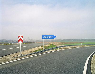 Ausfahrtschild - p4140075 von Volker Renner