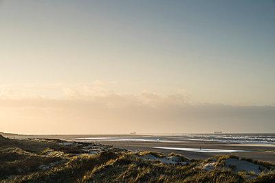 Borkum by the Wadden Sea - p1046m1138193 by Moritz Küstner