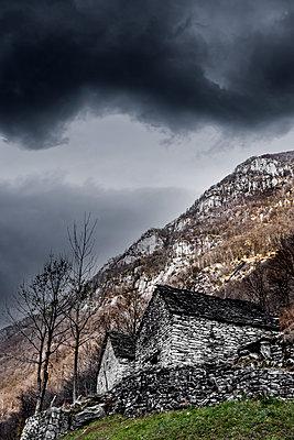 Berghütten im Tessin - p248m1503229 von BY