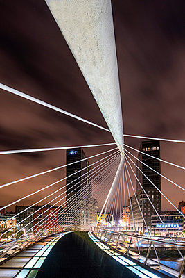 Calatrava Bridge, Bilbao, Basque Country, Spain - p651m2135758 by Tom Mackie