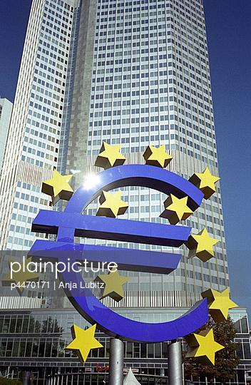 Geldinstitut - p4470171 von Anja Lubitz