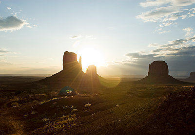 Camping with a view, the unique sandstone buttes of Monument Valley, Arizona. - p1424m1500699 by Keri Oberly