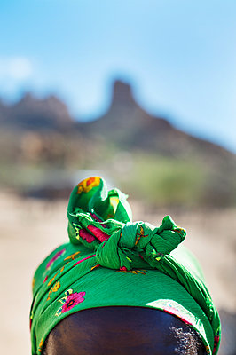 Africa, Namibia, Africa woman with headscarf - p1167m2272261 by Maria Schiffer