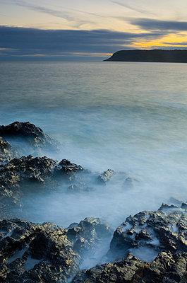 Nebel an der Küste - p1562m2141842 von chinch gryniewicz