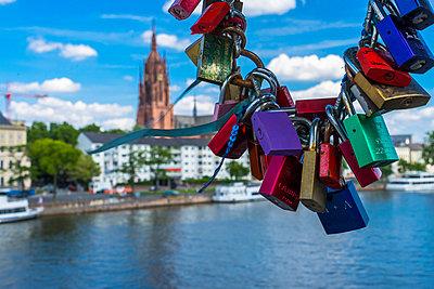 love locks at bridge Eiserner Steg - p300m961753 by Martin Moxter