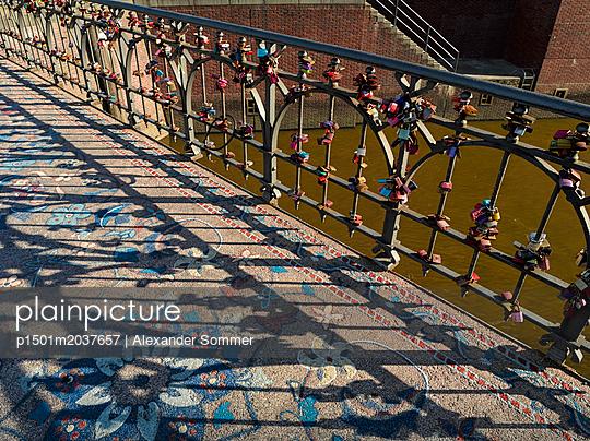 Wilhelminenbrücke in Hamburg - p1501m2037657 von Alexander Sommer