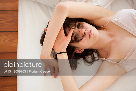 Sinnliche Frau - p713m2099163 von Florian Kresse