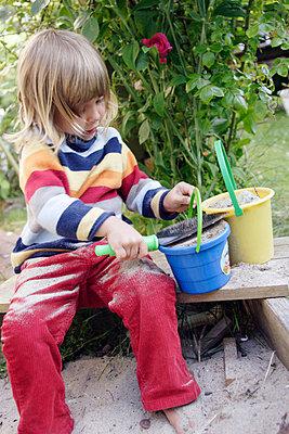 Im Sandkasten - p2950064 von Nanine Renninger