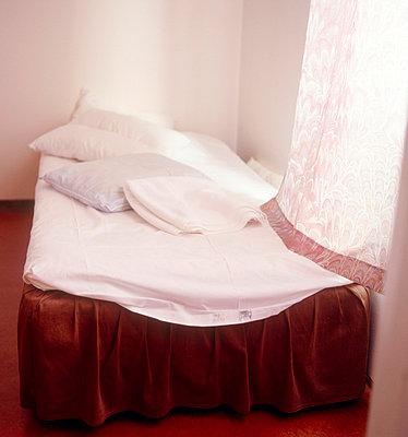 Bed - p3225841 by Sari Poijärvi