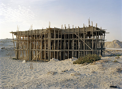 Unfinished building - p453m2110403 by Mylène Blanc