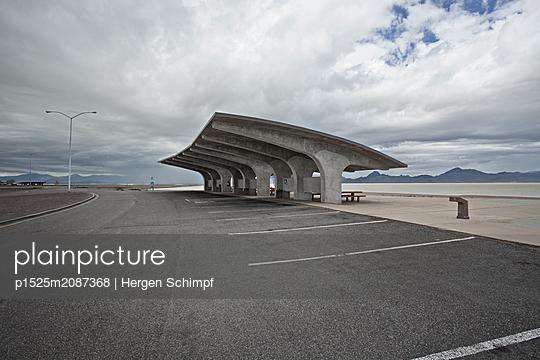 p1525m2087368 by Hergen Schimpf