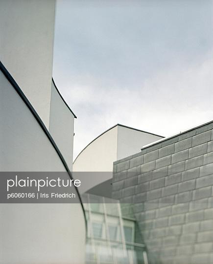 Moderne Architektur - p6060166 von Iris Friedrich
