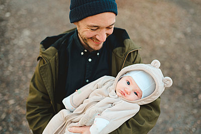 Father with baby - p312m2139576 by Stina GrŠnfors