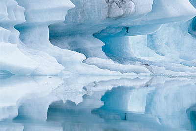 An iceberg in a glacial lake, Iceland. - p5755239f by Johan Hammar