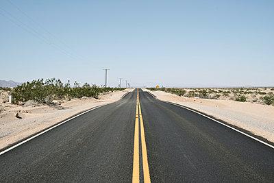 Desert road - p911m945468 by Gaëtan Rossier