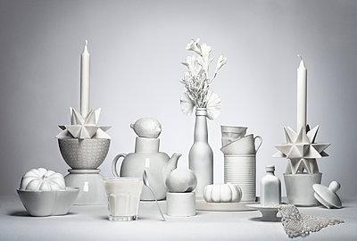 White Things - p1323m1158812 by Sarah Toure