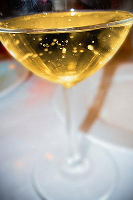 Champagne glass - p1418m1571880 by Jan Håkan Dahlström