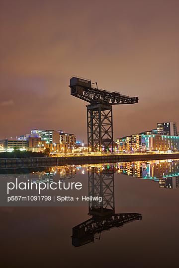 Glasgow - p587m1091799 by Spitta + Hellwig