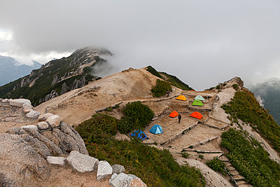 Zelten in großer Höhe - p1271m1083989 von Maurice Kohl
