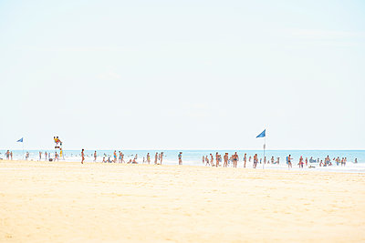 Menschen am Meer - p1312m1511183 von Axel Killian