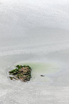 Fels im Wattenmeer - p248m1515254 von BY
