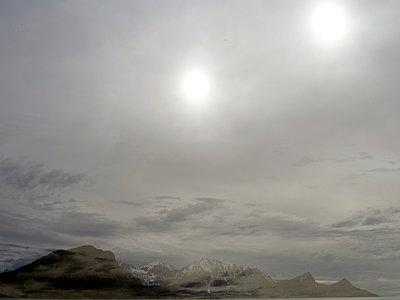 Bedeckter Himmel, Lofoten - p945m1497427 von aurelia frey