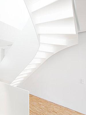 Treppenaufgang - p982m741383 von Thomas Herrmann
