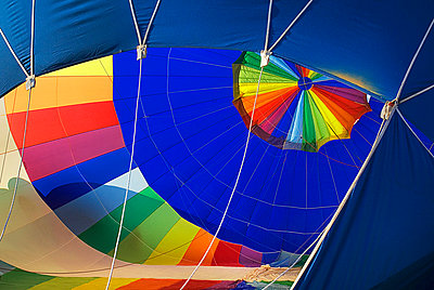 Air balloons - p30020319f by Paul Seheult