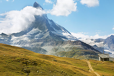 Matterhorn - p579m2014862 by Yabo