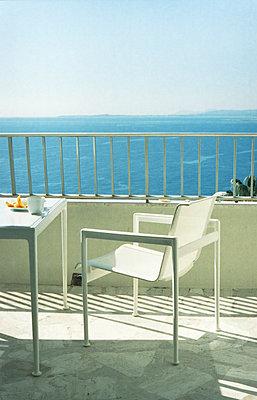 Aussicht aufs Mittelmeer - p1055m1003411 von Joseph Charroy