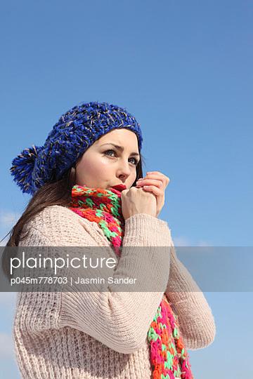 Winter - p045m778703 by Jasmin Sander