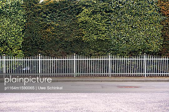 Hier kommt keiner durch - p1164m1590065 von Uwe Schinkel